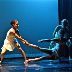 oak knoll dancers during a performance